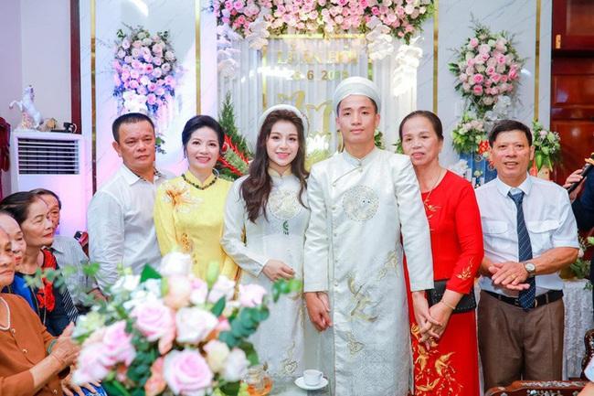 3 mẹ vợ chịu chơi và quyền lực nhất của tuyển thủ Việt Nam - Ảnh 1.