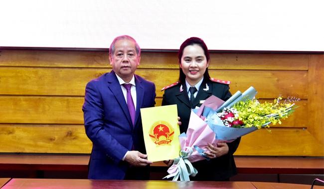 TT-Huế: Công bố quyết định bổ nhiệm 2 tân Phó Chánh Thanh tra tỉnh  - Ảnh 1.