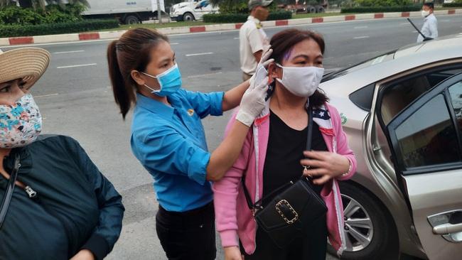 TP.HCM đưa hàng nghìn công nhân nghèo về quê đón tết Tân Sửu - Ảnh 3.