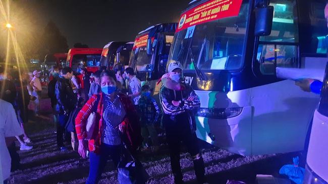 TP.HCM đưa hàng nghìn công nhân nghèo về quê đón tết Tân Sửu - Ảnh 4.