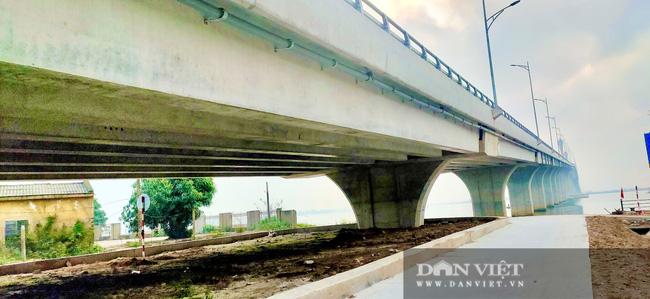 Những hình ảnh ngày đầu tiên phương tiện lưu thông qua cầu Của Hội nghìn tỷ - Ảnh 6.