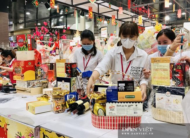 Lịch mở cửa siêu thị Tết: Siêu thị nào cũng mở cửa đến nửa đêm, có nơi bán luôn mùng 1 - Ảnh 1.
