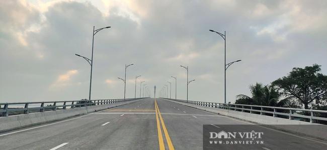 Những hình ảnh ngày đầu tiên phương tiện lưu thông qua cầu Của Hội nghìn tỷ - Ảnh 8.
