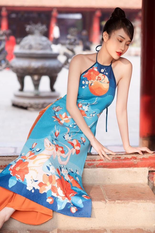 MC VTV Ngô Mai Phương tung bộ ảnh diện áo yếm gợi cảm đón Tết 2021 - Ảnh 2.