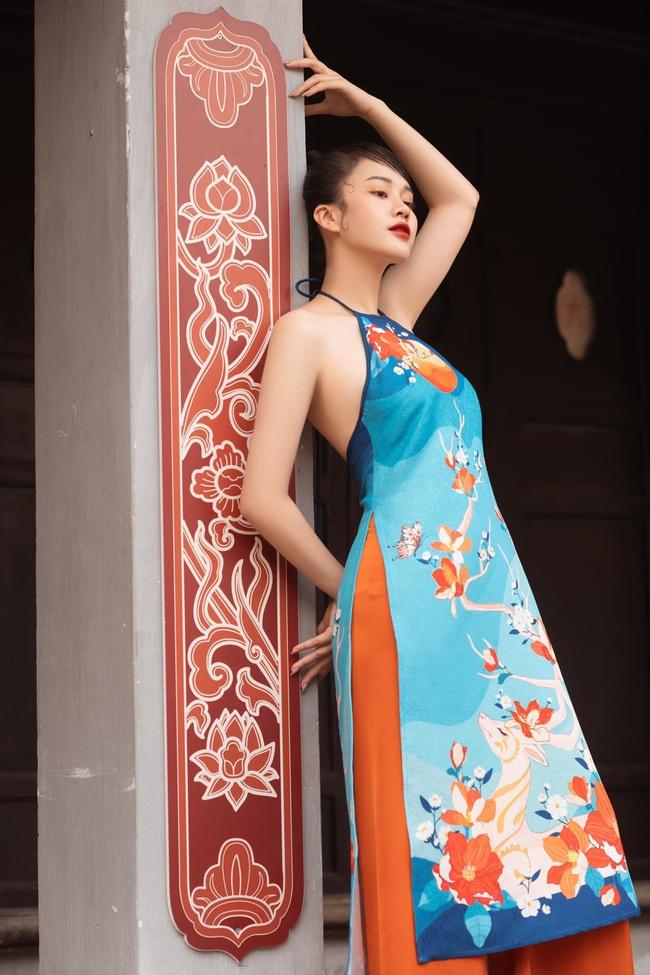 MC VTV Ngô Mai Phương tung bộ ảnh diện áo yếm gợi cảm đón Tết 2021 - Ảnh 9.
