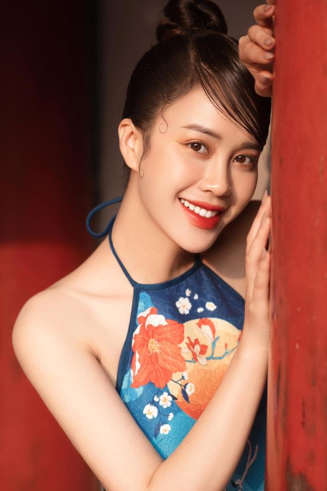MC VTV Ngô Mai Phương tung bộ ảnh diện áo yếm gợi cảm đón Tết 2021 - Ảnh 11.