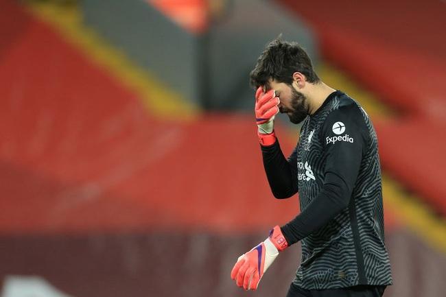 """Liverpool thảm bại, HLV Klopp có trút giận vào """"tội đồ"""" Alisson? - Ảnh 1."""