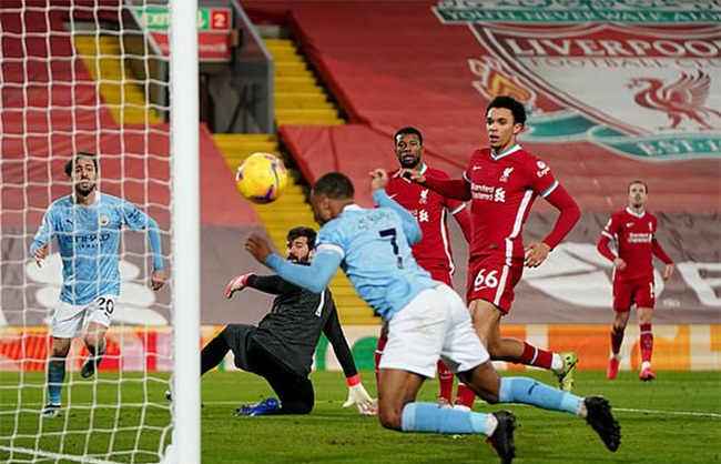 """Man City đè bẹp Liverpool, HLV Guardiola nhắc tới """"sự phi thường"""" - Ảnh 1."""