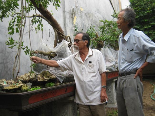 """Nhà văn """"lão nông"""" Ngô Phan Lưu vẫy tay chào Tết - Ảnh 2."""