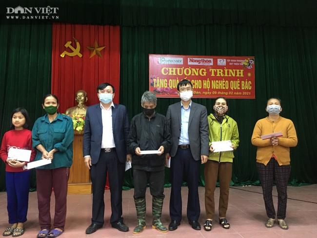 Quỹ Thiện Tâm và Báo NTNN/Dân Việt mang Tết đến cho người nghèo huyện Nam Đàn   - Ảnh 2.
