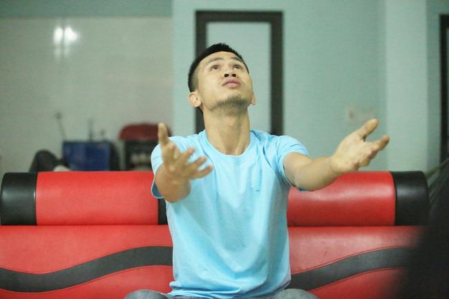 """PGS. TS Trịnh Hòa Bình: """"Người hùng Nguyễn Ngọc Mạnh rất khiêm nhường"""" - Ảnh 4."""