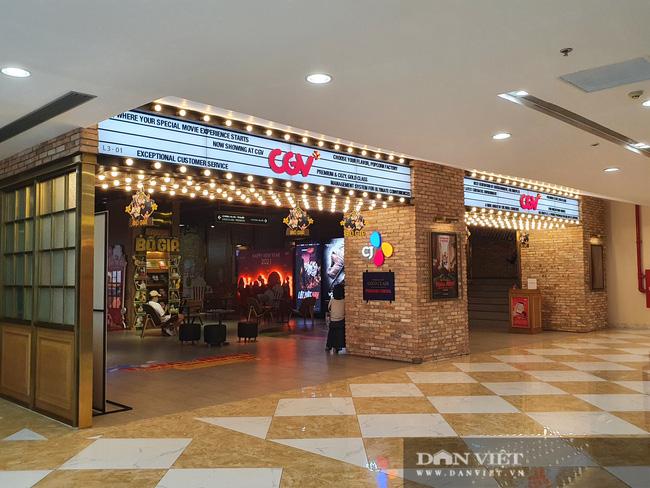 TP.HCM: Rạp chiếu phim, khu vui chơi giải trí mở cửa lại nhưng không một bóng khách - Ảnh 4.