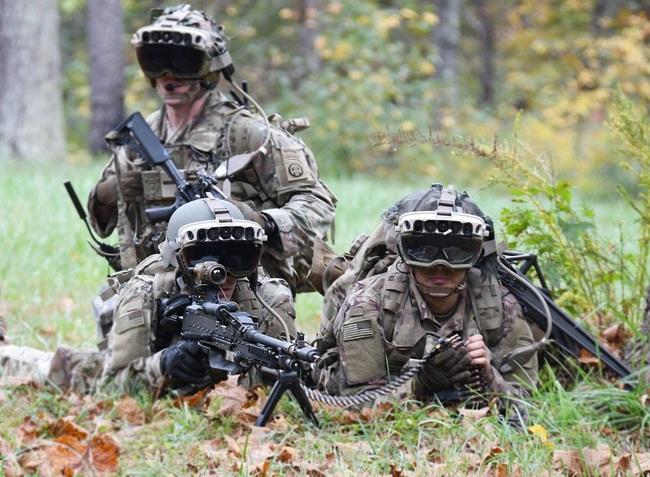 """'Siêu kính bảo hộ"""" của bộ binh Mỹ khiến giới quân sự các nước khiếp đảm khi nhìn xuyên xe bọc thép  - Ảnh 2."""