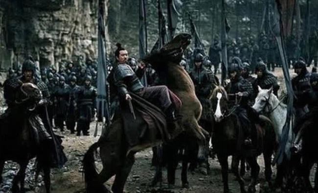 Giành được 1/3 thiên hạ qua vô số lần chinh chiến lẫy lừng, Lưu Bị vẫn phải hối hận ngàn thu vì trận đánh này - Ảnh 2.