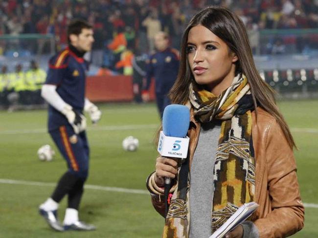Sốc: Casillas sống ly thân với vợ, nguy cơ bị chia đôi tài sản - Ảnh 6.