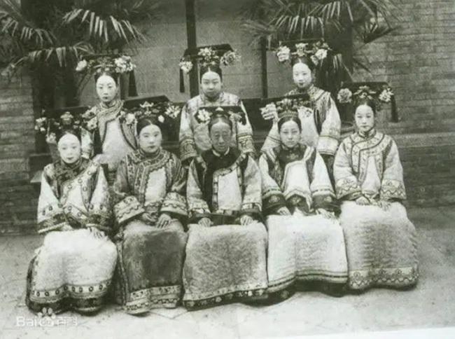 """Công chúa cuối cùng của triều Thanh: 17 tuổi thành góa phụ, phê bình thói xa xỉ của Từ Hi khiến bà """"câm nín"""" - Ảnh 2."""