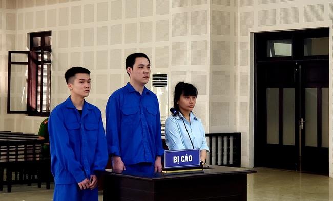 Đà Nẵng: Xét xử nhóm người đưa khách Trung Quốc bỏ trốn khi công an kiểm tra - Ảnh 1.