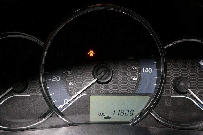 Hàng hiếm Toyota Corolla LE Eco 2014 nhập Mỹ, đi hơn 2 vạn, rao bán ngang Altis đời 2021 - Ảnh 2.