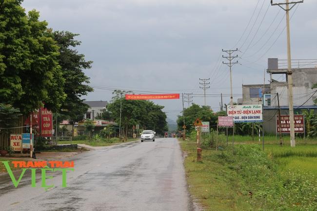 Hoà Bình: Công bố xã đạt chuẩn nông thôn mới ở huyện Lạc Sơn - Ảnh 3.