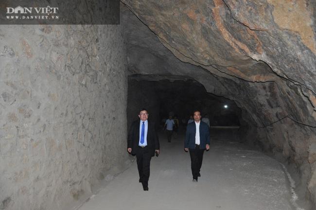 Chủ tịch Hội Nông dân Việt Nam vượt hàng đá thăm trang trại nuôi con đặc sản thu gần 7 tỷ đồng/năm ở Hòa Bình - Ảnh 1.