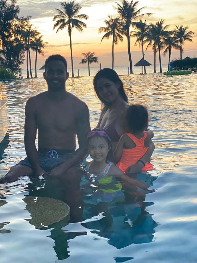 Prueksa Khonthiang - vợ ngoại binh Pedro Paulo: WAGs sexy nhất V.League - Ảnh 1.