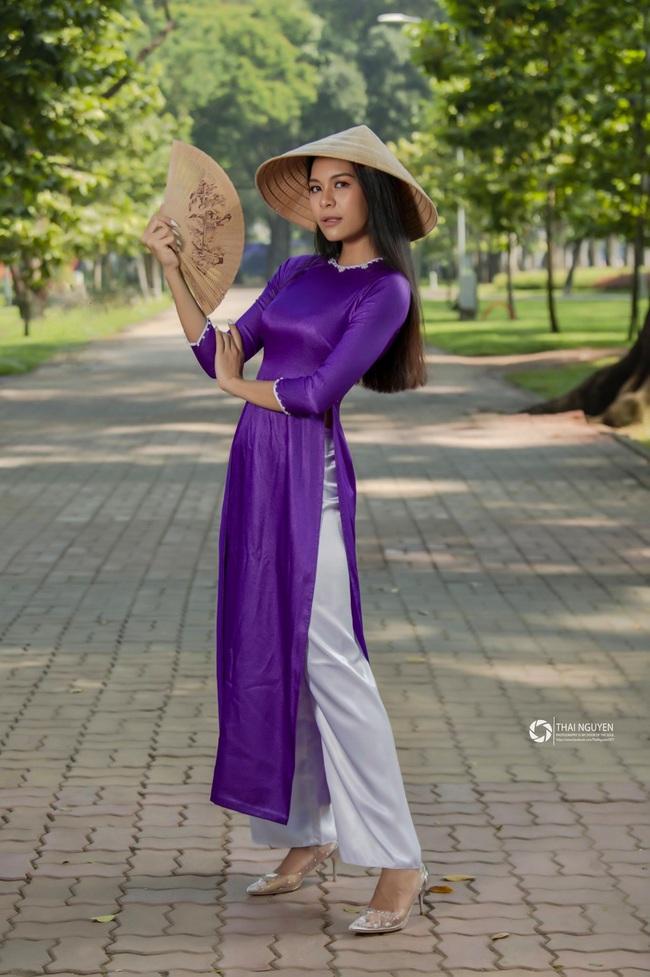 Prueksa Khonthiang - vợ ngoại binh Pedro Paulo: WAGs sexy nhất V.League - Ảnh 5.