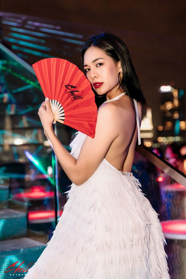 Prueksa Khonthiang - vợ ngoại binh Pedro Paulo: WAGs sexy nhất V.League - Ảnh 12.