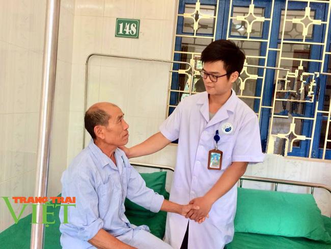 Bệnh viện Y Dược cổ truyền tỉnh Sơn La: Nâng cao kỹ thuật điều trị, chăm sóc người bệnh - Ảnh 10.
