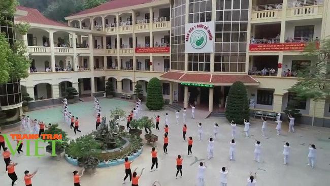 Bệnh viện Y Dược cổ truyền tỉnh Sơn La: Nâng cao kỹ thuật điều trị, chăm sóc người bệnh - Ảnh 1.
