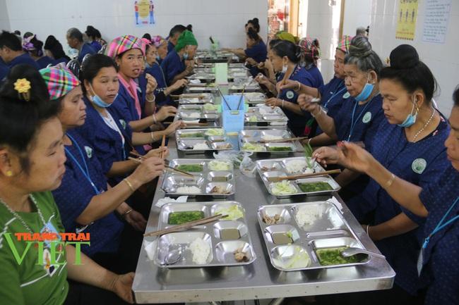 Bệnh viện Y Dược cổ truyền tỉnh Sơn La: Nâng cao kỹ thuật điều trị, chăm sóc người bệnh - Ảnh 5.