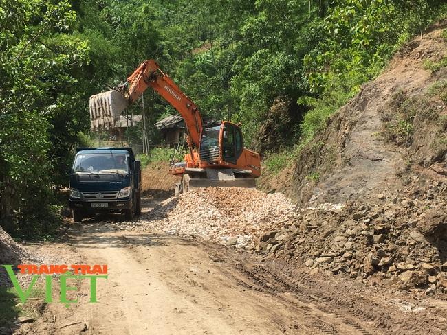 Mai Châu: Phát huy sức mạnh đoàn kết trong xây dựng nông thôn mới - Ảnh 3.