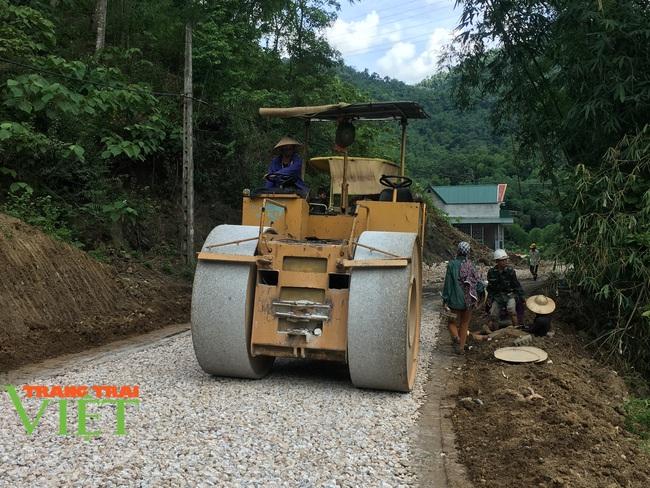 Mai Châu: Phát huy sức mạnh đoàn kết trong xây dựng nông thôn mới - Ảnh 5.