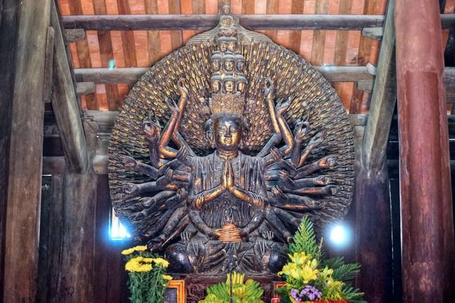 Bí ẩn pho tượng Quan Âm nghìn mắt nghìn tay ở chùa Bút Tháp - Ảnh 1.