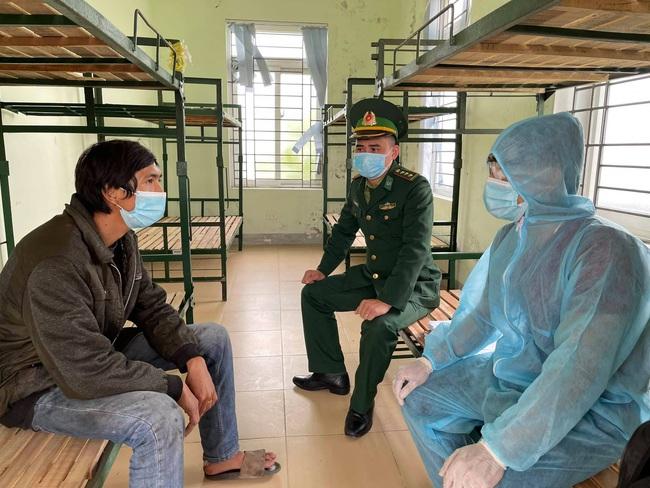 Nghệ An: Khởi tố, bắt tạm giam tài xế và chủ xe trong vụ 53 người Trung Quốc nhập cảnh trái phép   - Ảnh 1.