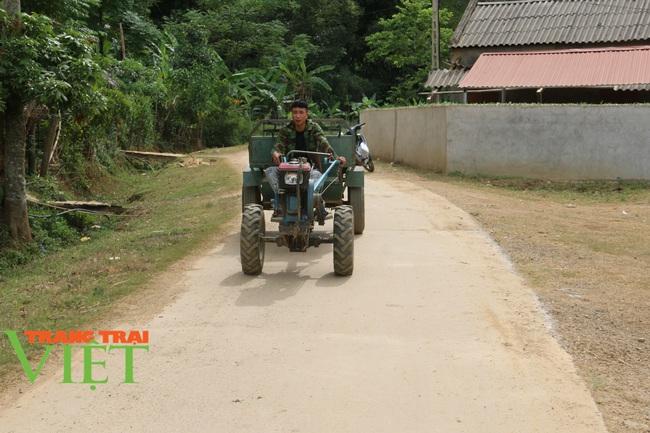 Người dân Nà Bó chung tay cùng chính quyền gìn giữ các tiêu chí nông thôn mới - Ảnh 3.