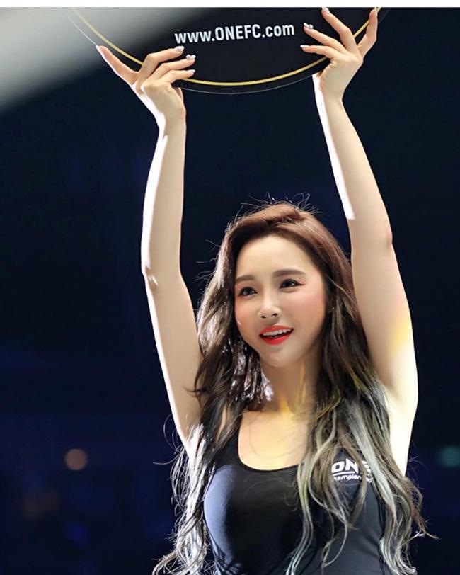 Lee Jina: Ring girl Hàn Quốc xinh đẹp, đa tài và nổi tiếng châu Á - Ảnh 10.