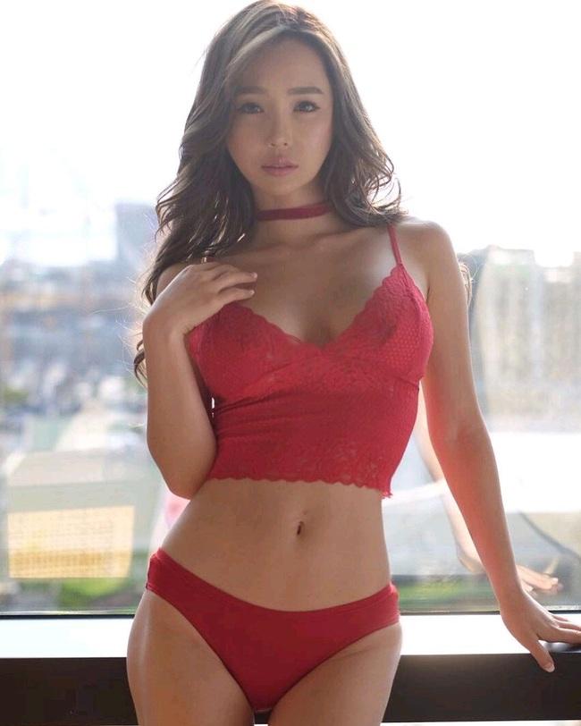 Lee Jina: Ring girl Hàn Quốc xinh đẹp, đa tài và nổi tiếng châu Á - Ảnh 5.