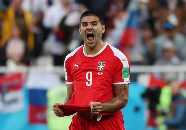 Mitrovic trở thành huyền thoại của bóng đá Serbia.