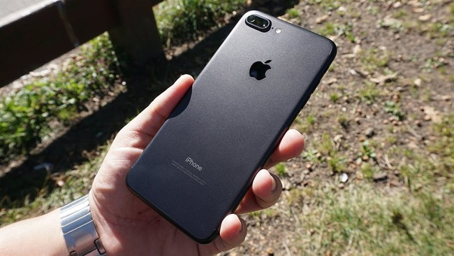 Giá iPhone 7 Plus 'chạm đáy', liệu có còn đáng mua trong năm 2021? - Ảnh 2.