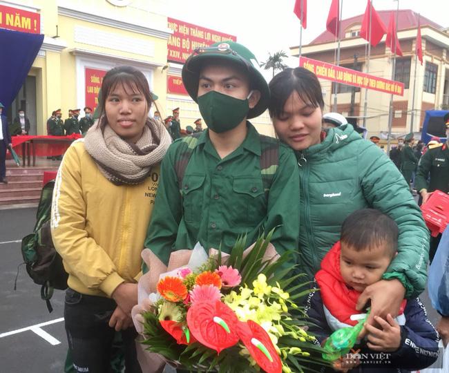 Tân binh Ninh Bình hăng hái lên đường nhập ngũ - Ảnh 6.