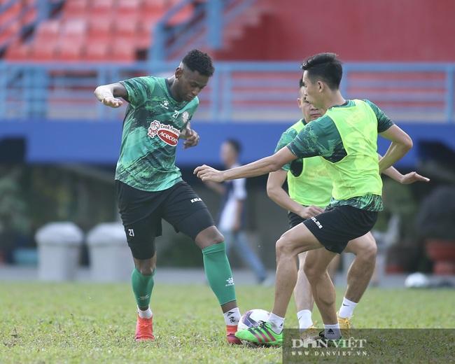 Lee Nguyễn bị đồng đội 'tố' chơi xấu - Ảnh 6.