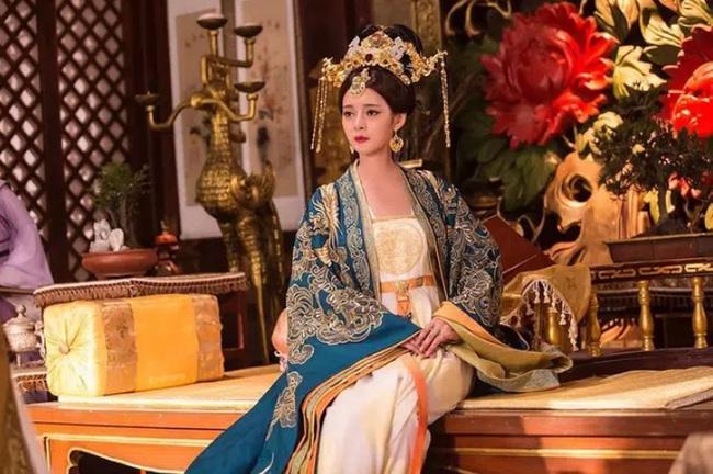 Giết em ruột và 10 cháu trai vì ngôi Hoàng đế, Lý Thế Dân vẫn thu nạp em dâu làm phi tần? - Ảnh 2.