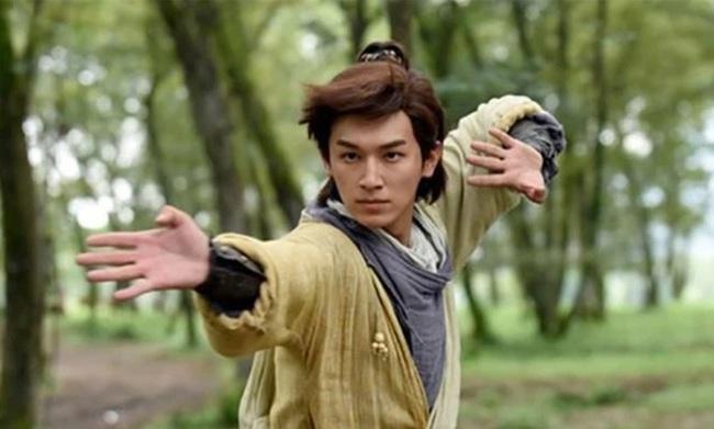 Những màn tỉ thí võ công kinh điển trong truyện Kim Dung - Ảnh 2.