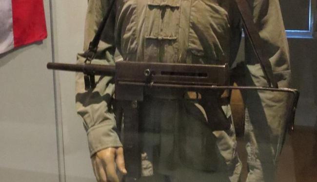 """""""Sát thần đánh Mỹ"""" được Việt Nam cải tiến từ tiểu liên của Pháp - Ảnh 17."""
