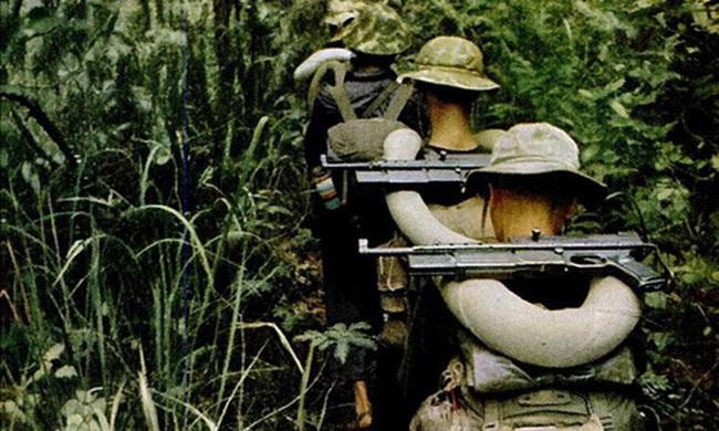 """""""Sát thần đánh Mỹ"""" được Việt Nam cải tiến từ tiểu liên của Pháp - Ảnh 18."""