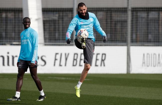 Benzema đã trở lại tập luyện bình thường.
