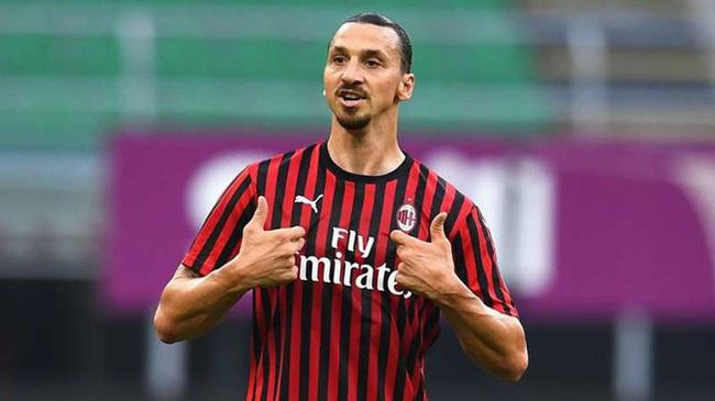 Ibrahimovic sẵn sàng ở lại Milan thêm 1 năm.