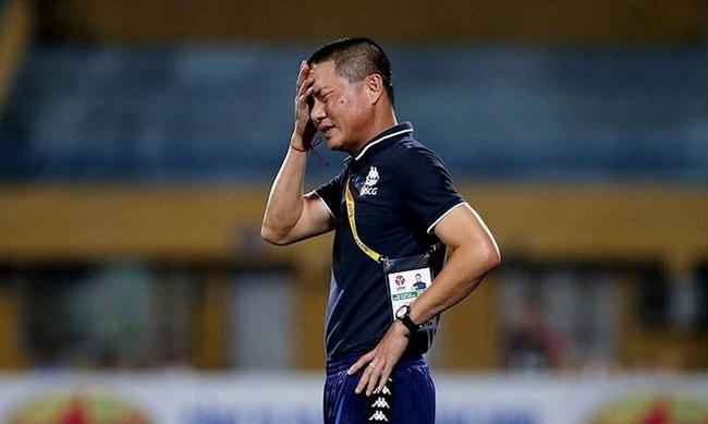 """Tin tối (8/3): HLV Chu Đình Nghiêm dưới """"giá treo cổ"""" khi V.League trở lại - Ảnh 1."""