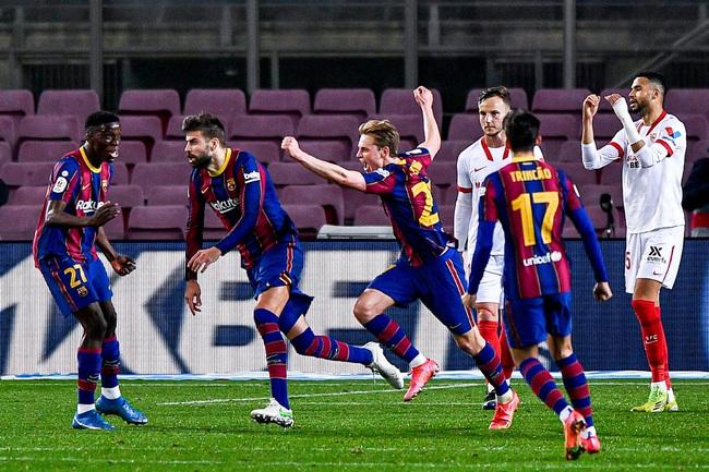 Barcelona bất ngờ trở lại cuộc đua vô địch.