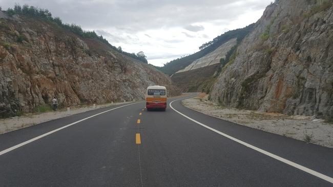 Những phương tiện nào được lưu thông trên cao tốc ngàn tỷ xuyên rừng Bạch Mã? - Ảnh 1.